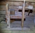 """Bukkane har høgd på like under 30"""", ca 78 cm, målt frå golvet. Arbeidshøgda er litt avhengig av langborda og kan såleis vere noko høgre. Foto: Roald Renmælmo"""