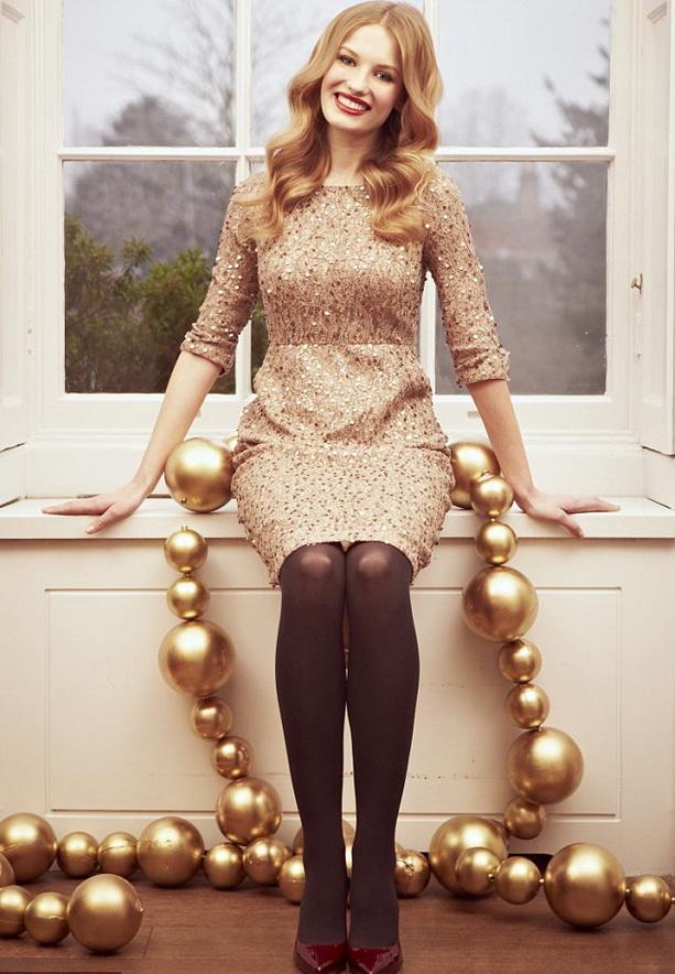 золотой наряд на Новый 2013 год