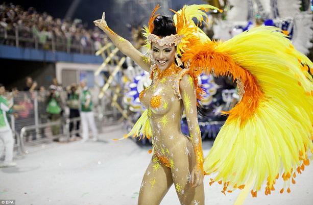 Academicos do Tatuape голая танцовщица