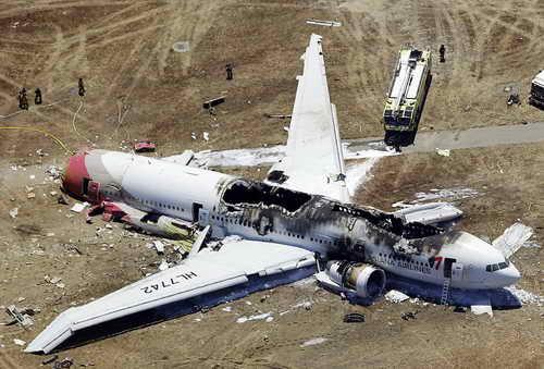 Обгоревший Боинг 777 на