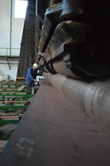 """Oblikovanje limova za projekt izgradnje reprodukcije jedrenjaka """"France II"""" iz 1911. na VELIKOM VALJKU ZA KRUŽNO SAVIJANJE LIMOVA proizvedenom 1936."""