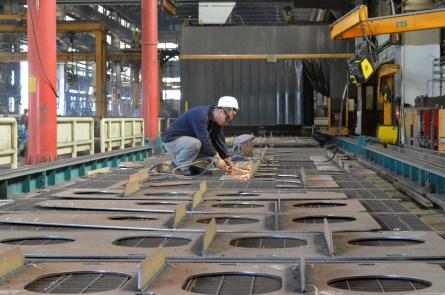 Obrada zavarenih sklopova na robotiziranoj liniji male predmontaže