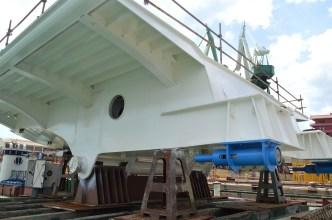 Središnji dio mosta s hidrauličkim mehanizmima za podizanje.