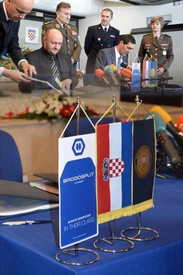 BRODOSPLIT - Potpisivanje ugovora za izgradnju pet obalnih ophodnih brodova za MORH - FOTO Škveranka