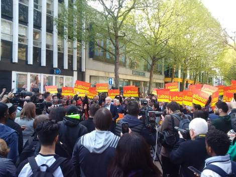 corbyn croydon crowd