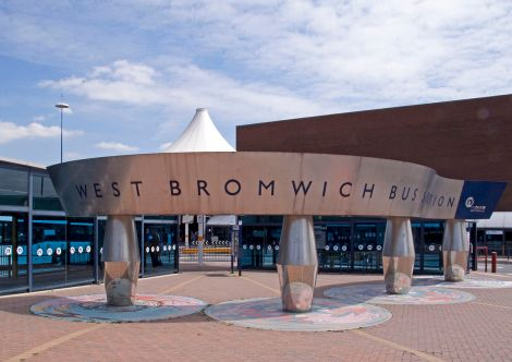 1200px-West_Bromwich_bus_station