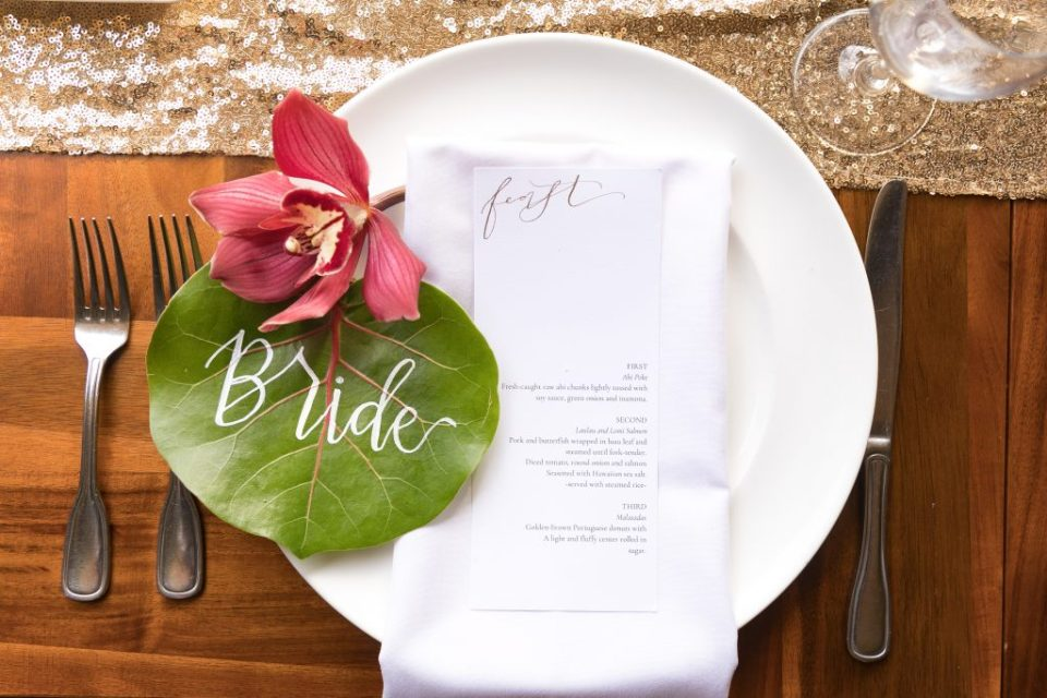 place setting hawaii wedding