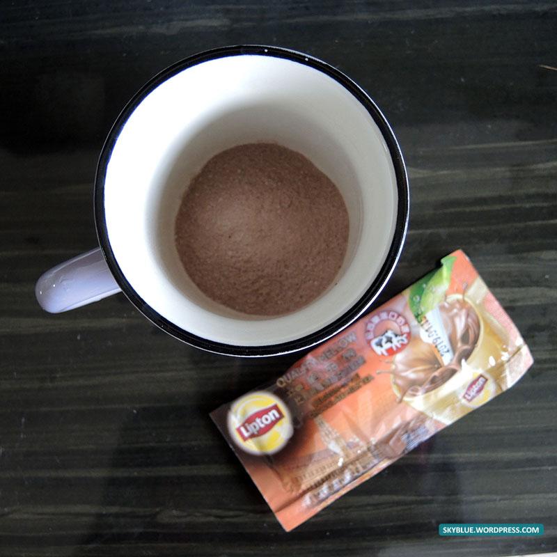 嚐鮮-立頓絕品醇比利時風情巧克力奶茶 – 幸福的微笑~天空藍