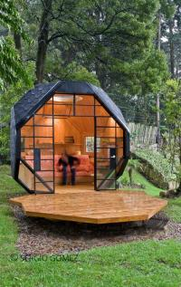 Cool-Unique-Back-Yard-Child-Playhouse | Skybambi