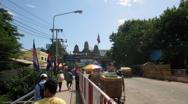 Friendship Bridge to Cambodian Border