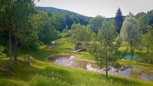 Plitvice Lakes hidden village on 9 km trail