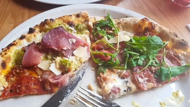 Pizza at La Favorita