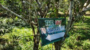 Kai Bae Waterfall Sign