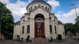 Bellu Cemetery Chapel