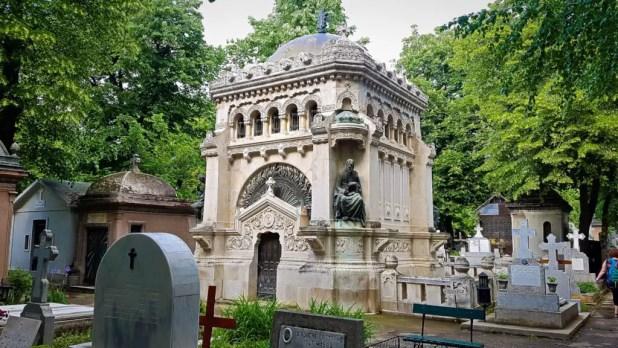 Gherorghieff Tomb in Bellu Cemetery