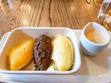 Beehive Haggis, Neeps and Tatties