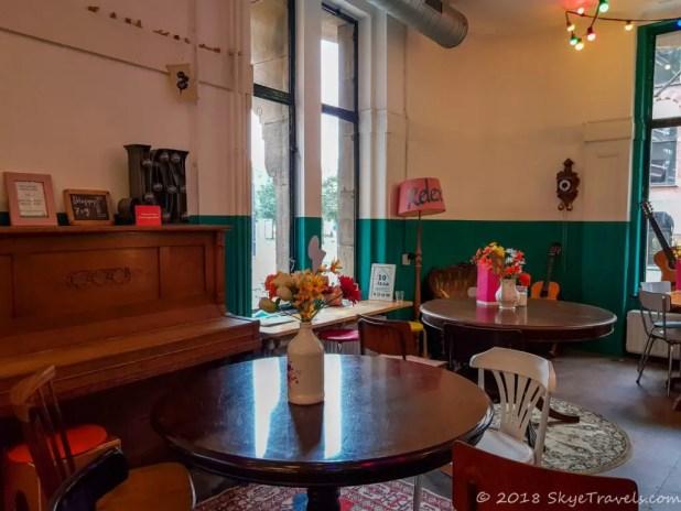 Hostel ROOM Lounge