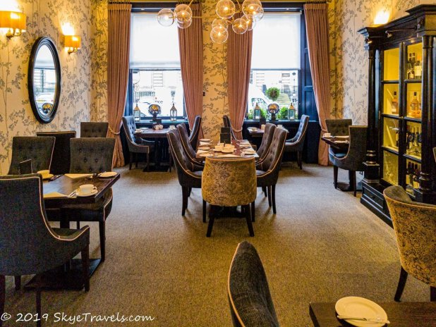 Nira Caledonia Dining Room