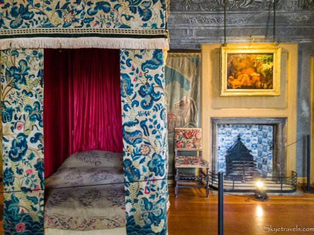 Holyrood Palace Mary Queen of Scots Bed