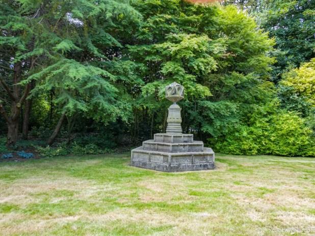 Holyrood Palace Gardens