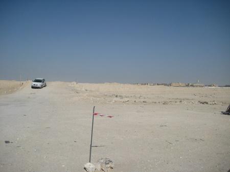 Walka z piachem, w drodze do kościoła