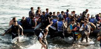 Over 500 rescued migrants remain stranded at sea