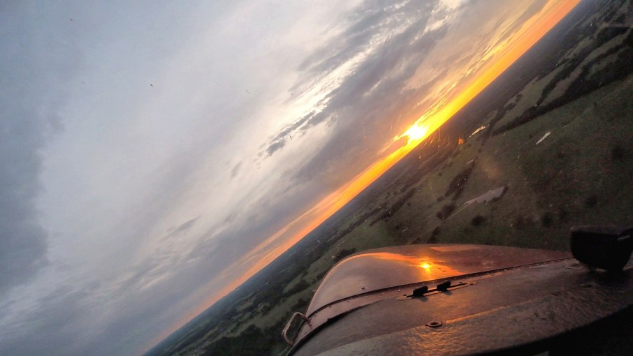 C172 steep turn at sunset, Sky Review and Airtime Aviation Podcast