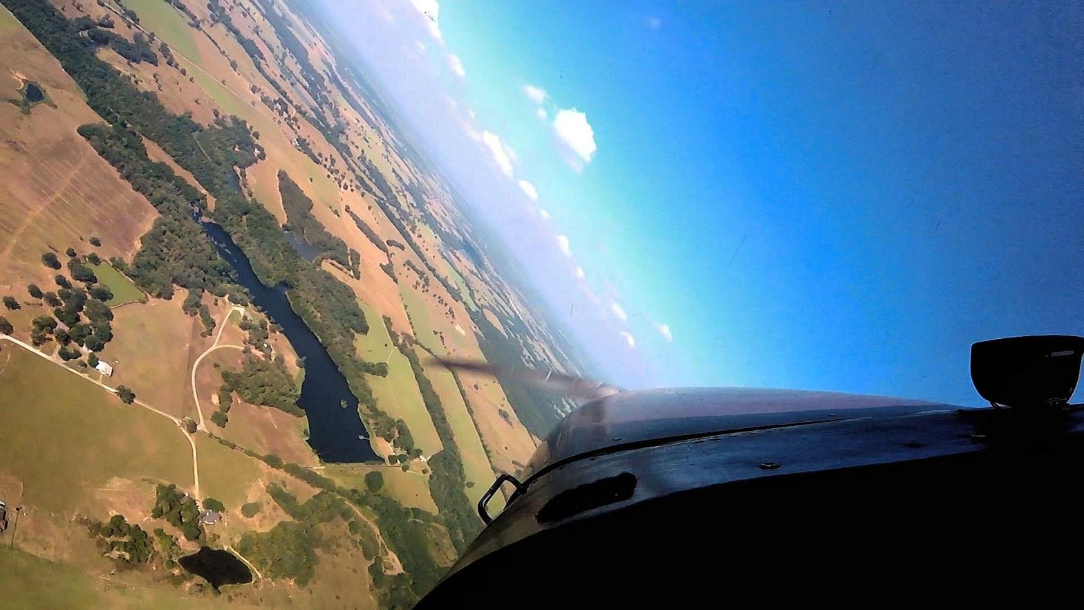 Steep Turn in a Cessna 172