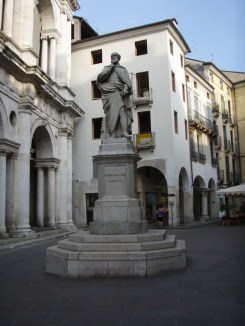Vicenza Statuary 1