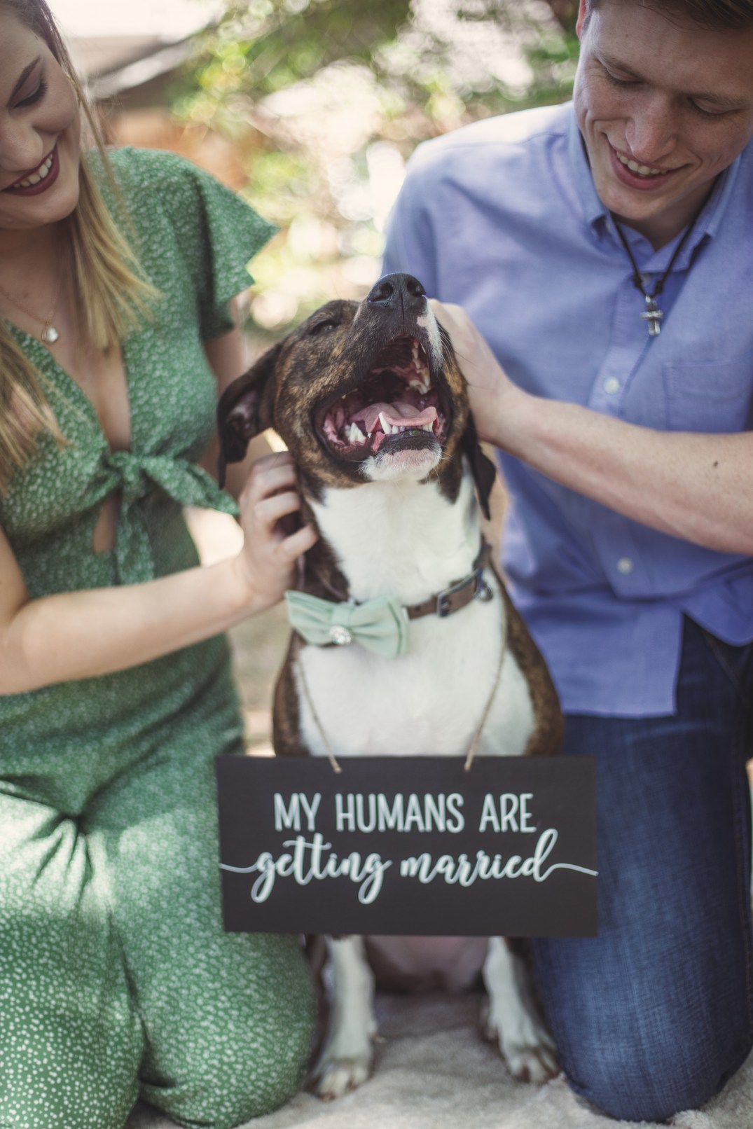 Engagement session with dog in beaumont texas
