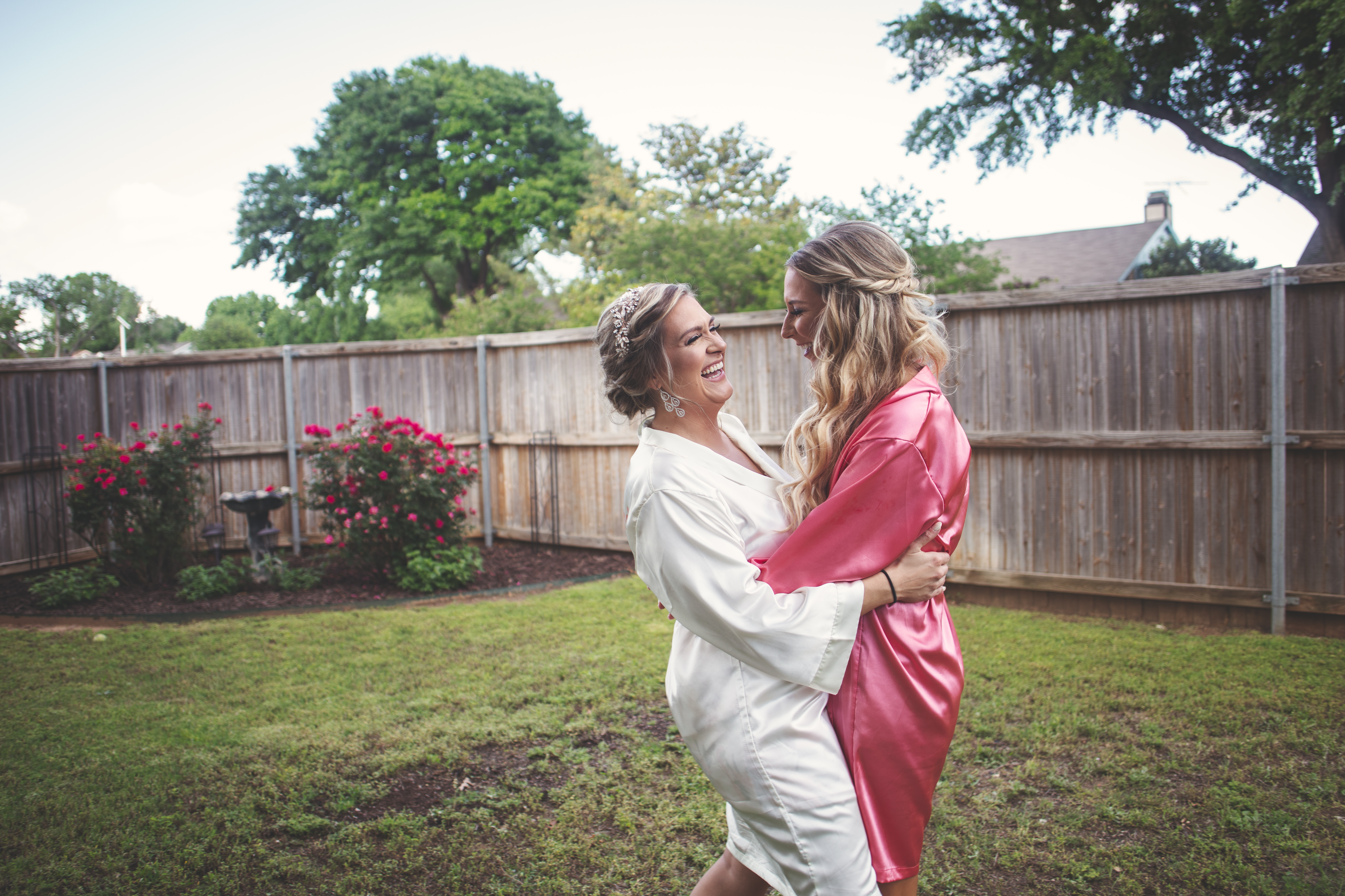 Maid of honor and bride's photos | Flower Mound Wedding Photographer - Skys the Limit Production