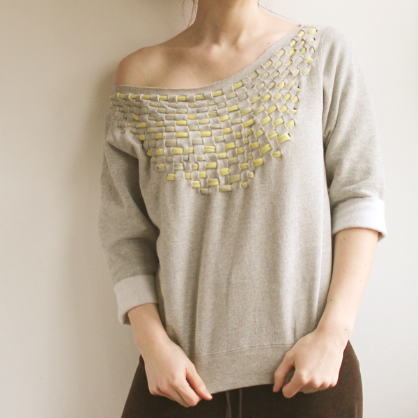 how to make a neckline weave in tshirt