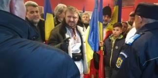 Hazafias románok tiltakoztak a színházi bemutató ellen