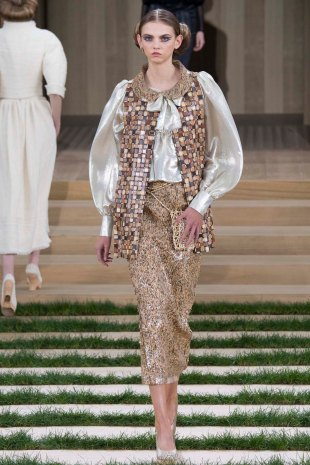 chanel-couture-spring-2016-pfw-12