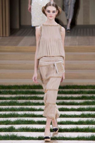 chanel-couture-spring-2016-pfw-17