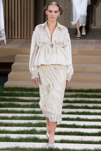 chanel-couture-spring-2016-pfw-43