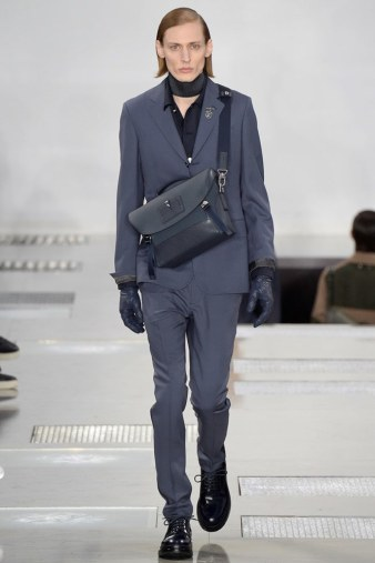 Louis-Vuitton-fall-2016-menswear-pfw-14