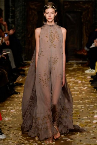 Valentino-couture-spring-2016-pfw-1