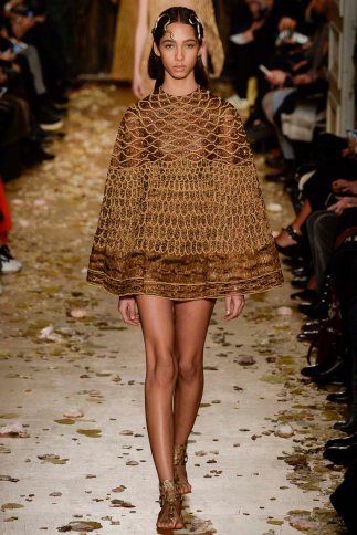 Valentino-couture-spring-2016-pfw-13