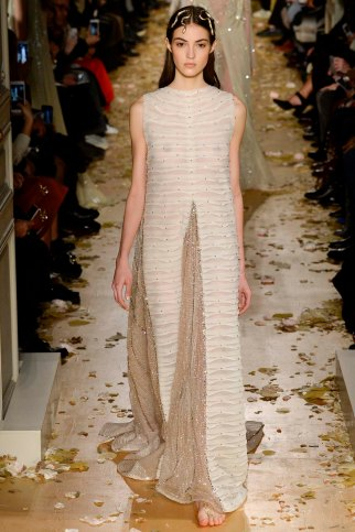 Valentino-couture-spring-2016-pfw-21