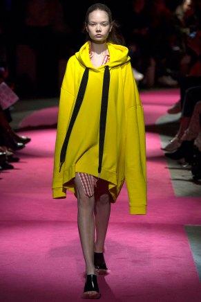 Marques-Almeida-AW16-lfw-rtw-womenswear-4