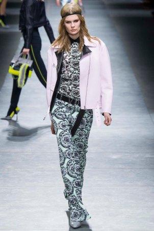 Versace-aw16-milanomodadonna-mfw-womenswear-10
