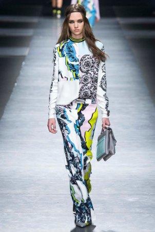 Versace-aw16-milanomodadonna-mfw-womenswear-11
