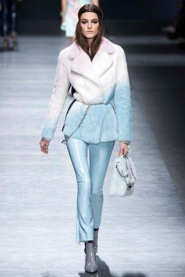 Versace-aw16-milanomodadonna-mfw-womenswear-14