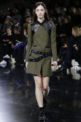 Courrèges-aw16-pfw-rtw-womenswear-15