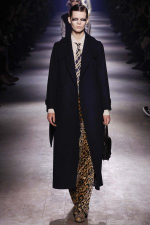 Dries-Van-Noten-aw16-pfw-rtw-womenswear-2