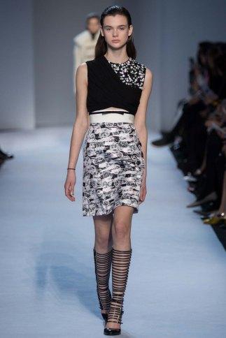 GiambattistaValli-aw16-pfw-rtw-womenswear-14