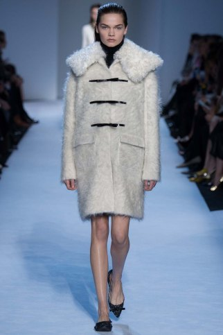 GiambattistaValli-aw16-pfw-rtw-womenswear-15