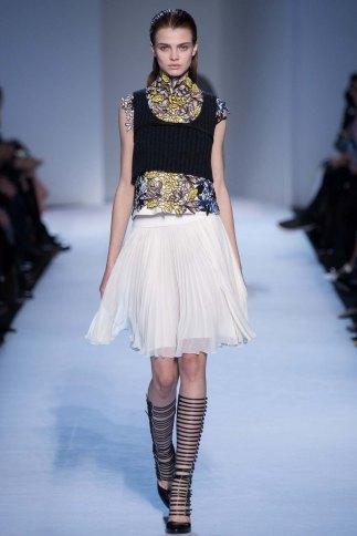 GiambattistaValli-aw16-pfw-rtw-womenswear-4