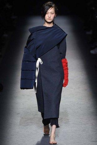 Jacquemus-aw16-pfw-womenswear-rtw-12